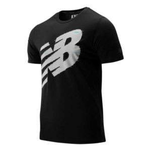 Camiseeta New Balance Heather Tech en color negro para hombre.