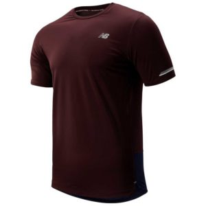 Camiseta New Balance ICE 2 para hombre en color burdeos.