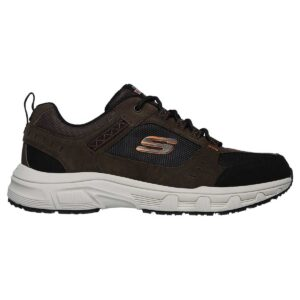 Zapatillas Skechers Relaxed Fit Oak Canyon en color marrón, para hombre.