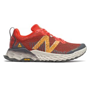 Zapatillas New Balance Fresh Foam v6 de trail running, para hombre, en color rojo y naranja.